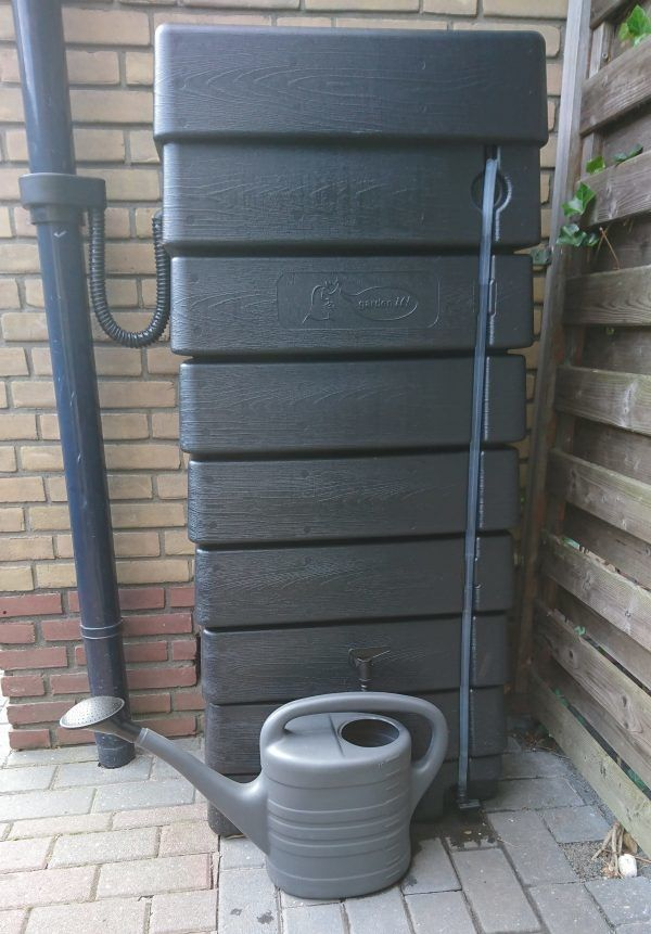 Zwarte muur regenton 320 liter