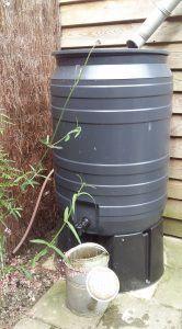 Grijze kunststof regenton 180 liter