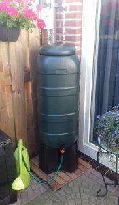 Groene 100 liter regenton