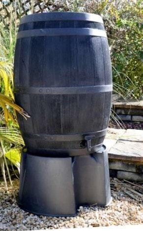 Zwarte houten regenton 235 liter